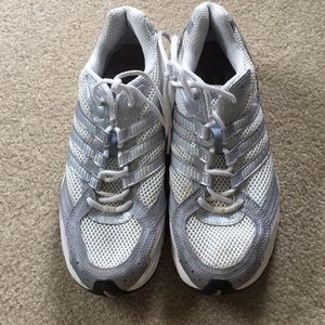 Shoes - ADIDAS TENNIS SHOES S 9